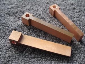 Kobberelektroder,  trådskåret, brukes til å senkegniste kilespor.